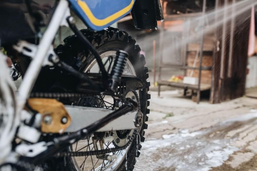 How to Clean a Dirt Bike Chain