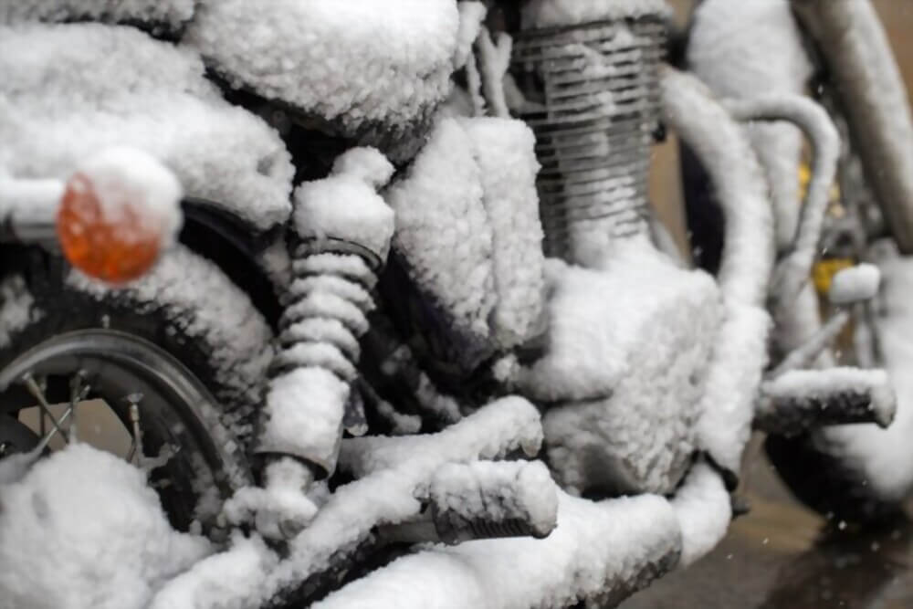How to Maintain a Motorcycle During Winter