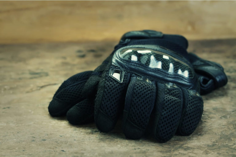 what to look for in motorcycle gloves