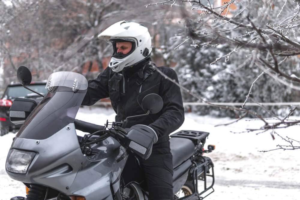 How to keep your Neck warm on Motorcycle