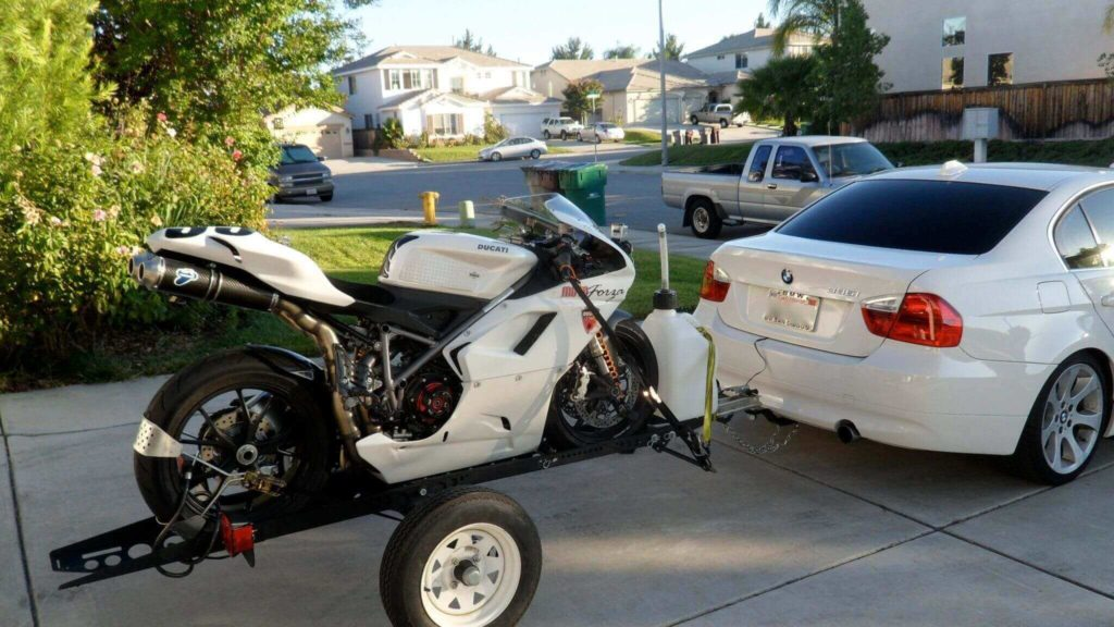 methods to tow a motorcycle with a car